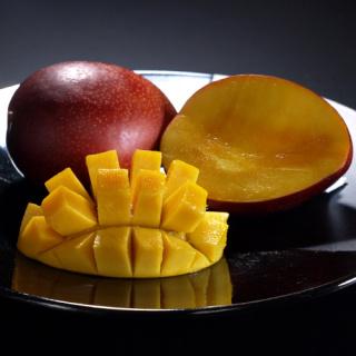 屋久島いわさき農園上完熟マンゴー大玉2玉入り(1kg以上)